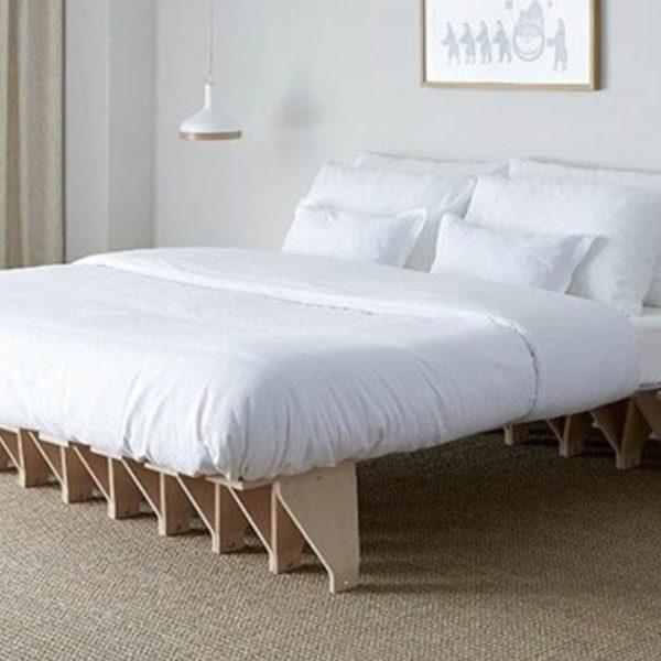 futon w sypialni