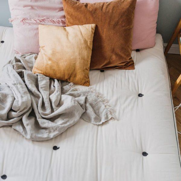floor bed spanie