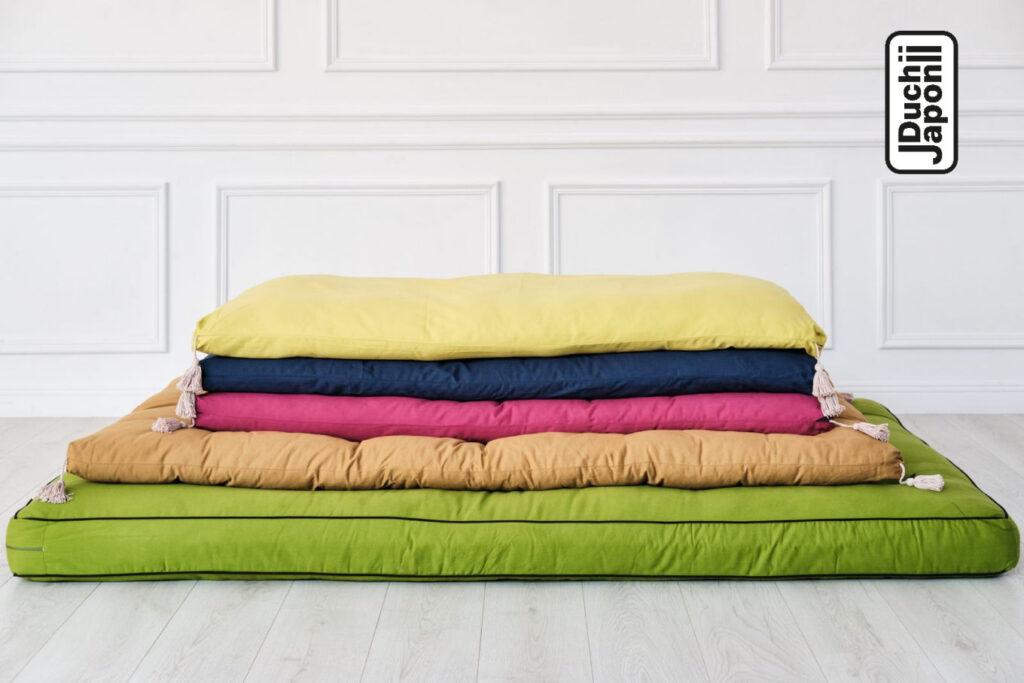 kolorowy futon japoński
